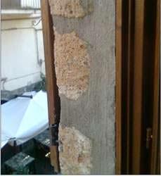 L'ancoraggio sicuro delle persiane: una persiana ancorata nella muratura degradata