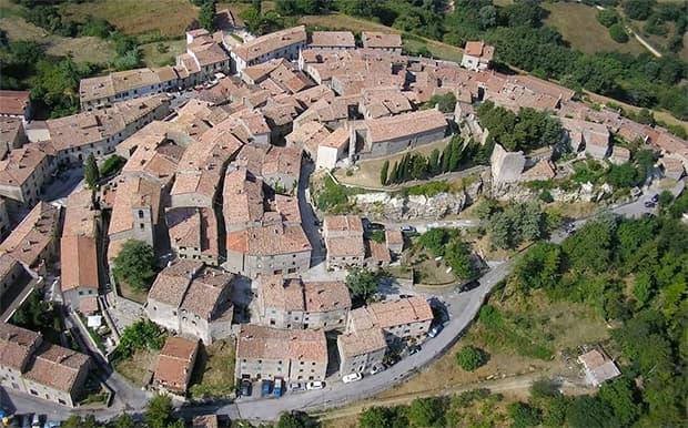 Borgodisempronio.it: vista aerea del borgo, Semproniano (GR)