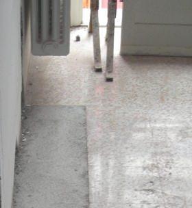 pavimento danneggiato dopo riparazione guasto