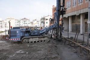 www.mg-edilcostruzioni.it: prime fasi di lavorazione micropali