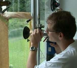 La riparazione delle superfici di vetro: il trattamento della superficie con mole speciali
