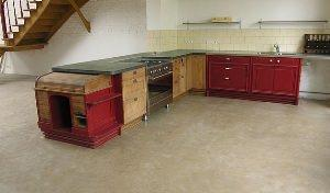 Pavimento in argilla battuta in cucina