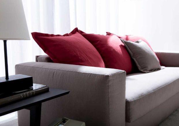 Nuovi divani letto rifiniti sartorialmente