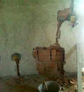 La sicurezza delle opere in laterizio non strutturali : la demolizione alla base del tamponamento