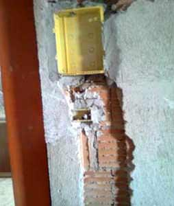 La sicurezza delle opere in laterizio non strutturali: l'esiguità della parte resistente dopo la demolizione