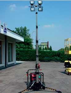 I vantaggi del noleggio in edilizia: una torre faro telescopica