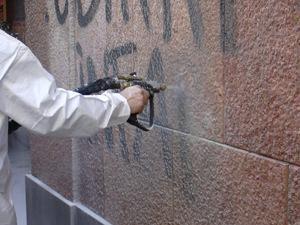 rimozione graffiti_2