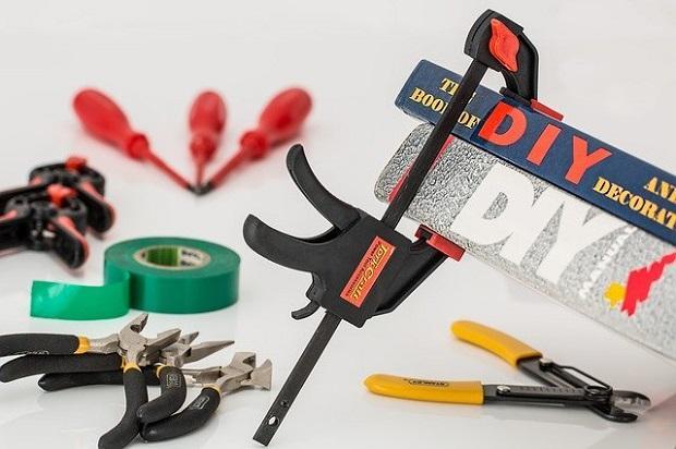 Ferramenta e utensili per riparazioni fai da te