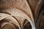 Tipiche volte a crociera gotiche con evidenti costoloni