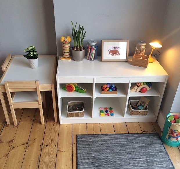 Spazio-gioco nel soggiorno, da fridabemighty.com