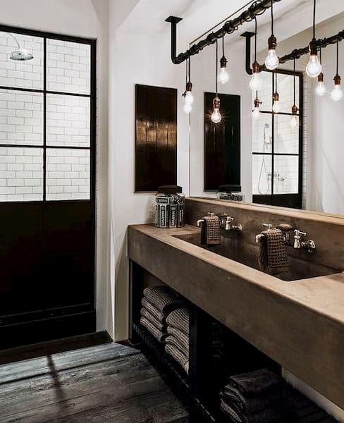 Bagno bianco e nero stile industrial - Credits: Pinterest