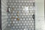 Piastrelle esagonali in un bagno bianco e nero - Photo credits: Pinterest