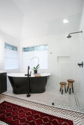 Vasca da bagno freestanding in nero - Credits: Pinterest