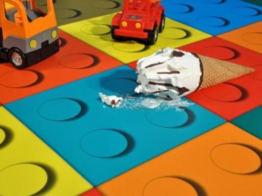 Dettaglio tappeto gioco in vinile per bambini di Tappetosumisura.it