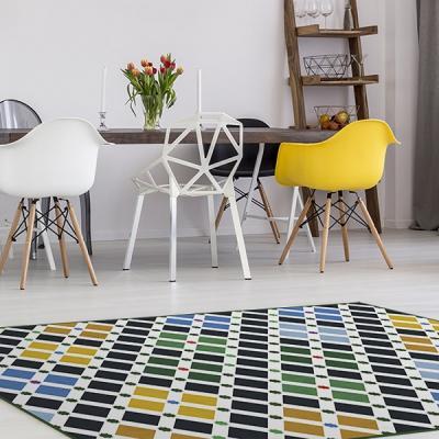 Dettaglio tappeto in vinile Colorful Squares di Dekoidea