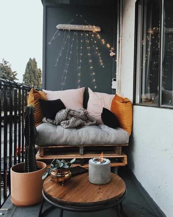 Il balcone in autunno, da mujerde10.com