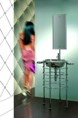 Lola Herzburg, lavabo con specchio per bagni piccoli di Rapsel