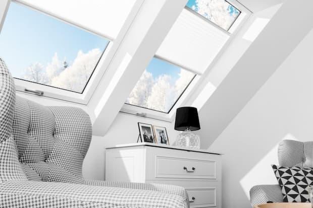 Illuminare una mansarda, finestra a bilico super-termoisolante, FAKRO