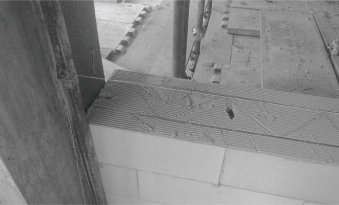 Rinforzo delle murature in blocchi di calcestruzzo cellulare Ytong con tralicci metallici
