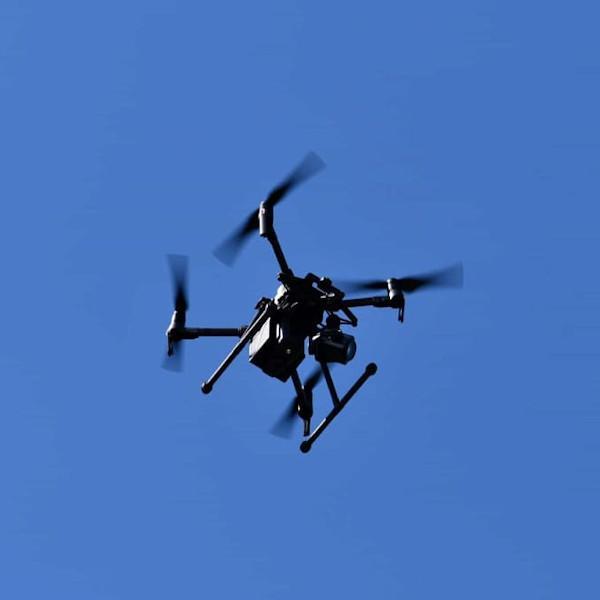 Controlli con il drone per la sostituzione di vecchie pensiline