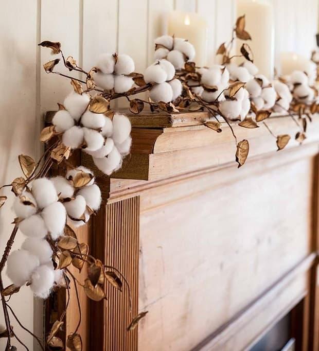 Rami di cotone incorniciano i mobili, da plowhearth.com