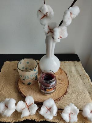Centrotavola con rami di cotone, da Lavorincasa.it