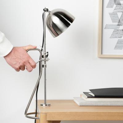 Lampada da tavolo in acciaio inox RÅVAROR - Foto by Ikea