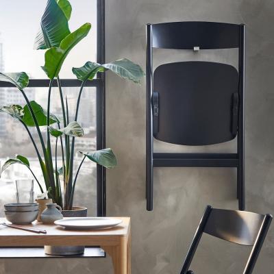 Sedia pieghevole riposta, collezione RÅVAROR - Foto by Ikea
