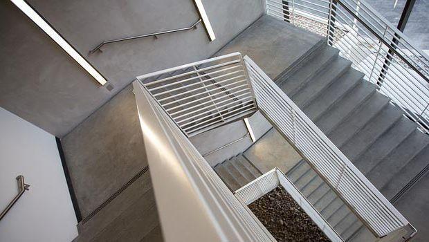 Rivestimenti per scale interne: materiali per ogni soluzione