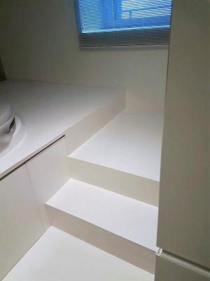 Particolare di una scala in resina by Kromax