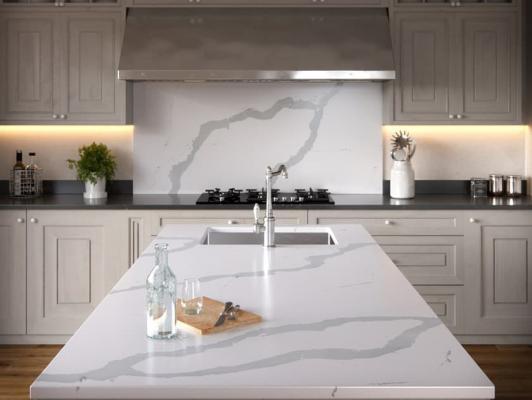 Il top della cucina bianca va scelto con cura in base all'effetto che si vuole avere