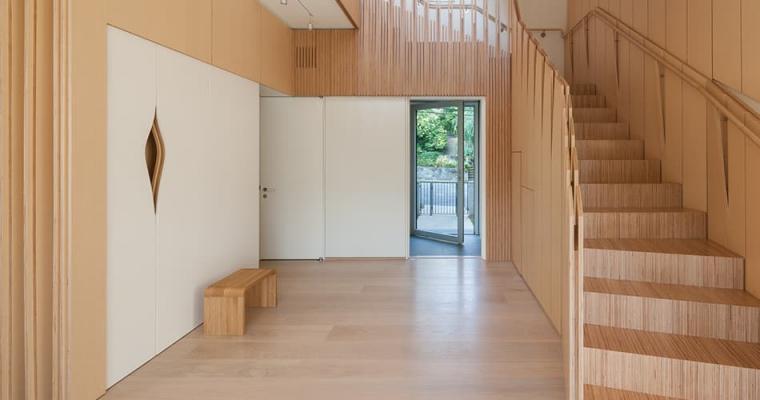 Il rivestimento per parete in legno può riguardare tutta o parte della parete