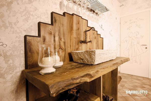 Il rivestimento in legno può evidenziare un punto singolare