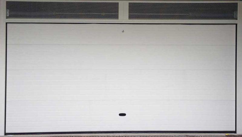 Portone basculante per il garage di Sistema Facile
