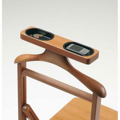 Particolare sedia indossatore Duka by Arredamenti Italia