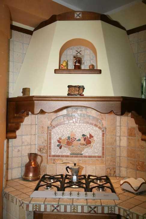 Cappa in una cucina a muratura, da legnoperpassione.com