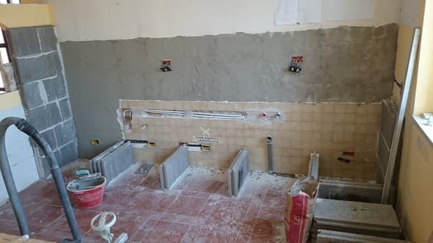 Intonacare pareti da piastrellare, da Costruisci & Ripara con Fabio