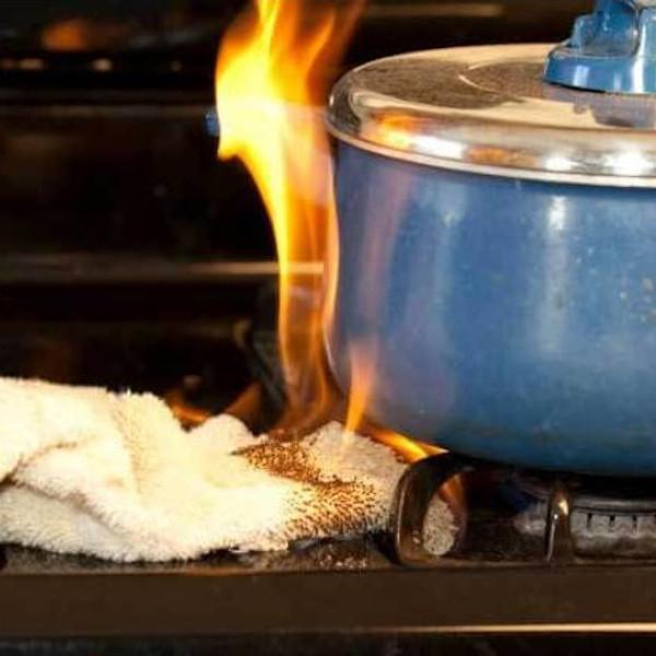 Errore da non commettere in cucina per evitare di innescare un incendio