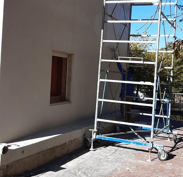 Pittura per esterni facciata edificio
