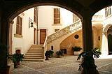 Il cortile interno di un edificio storico