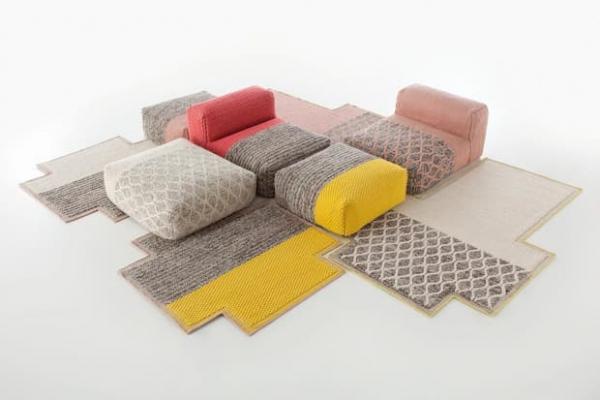 Tendenze arredamento 2020 tappeto e divano by Patricia Urquiola