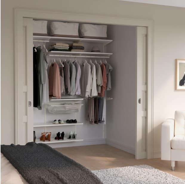 Sistema per cabina armadio BOAXEL di IKEA