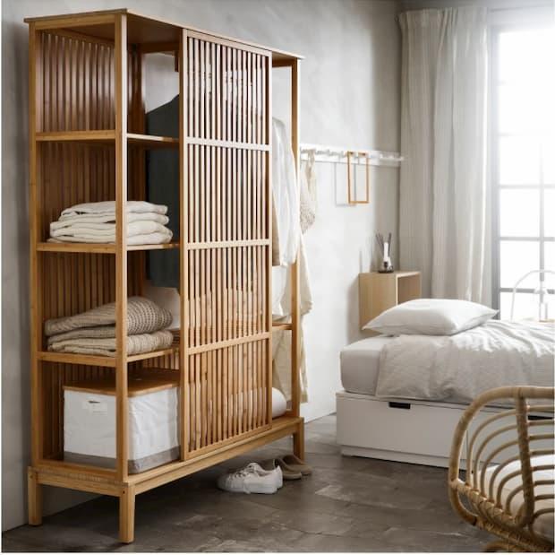 Guardaroba a giorno in bambù modello NORDKISA di IKEA