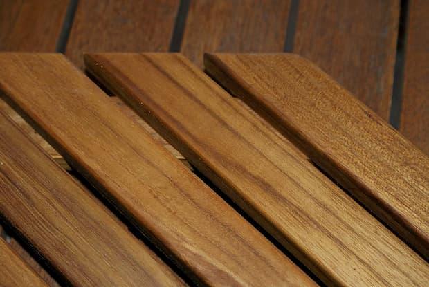 Pedana in legno per doccia su Amazon