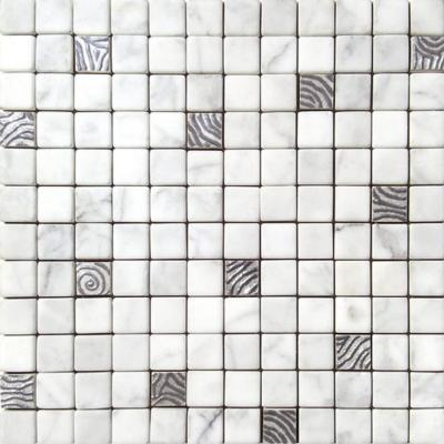 Tile & Style, serie Preziosi per il bagno in marmo e metallo grigio