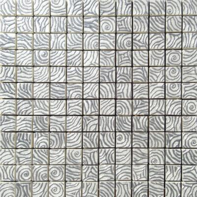 Tile & Style, serie Preziosi in marmo con inserti di metallo per il bagno