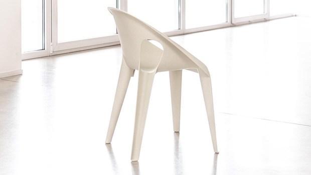 Bell Chair: sedia in polipropilene riciclato - Foto by Magis
