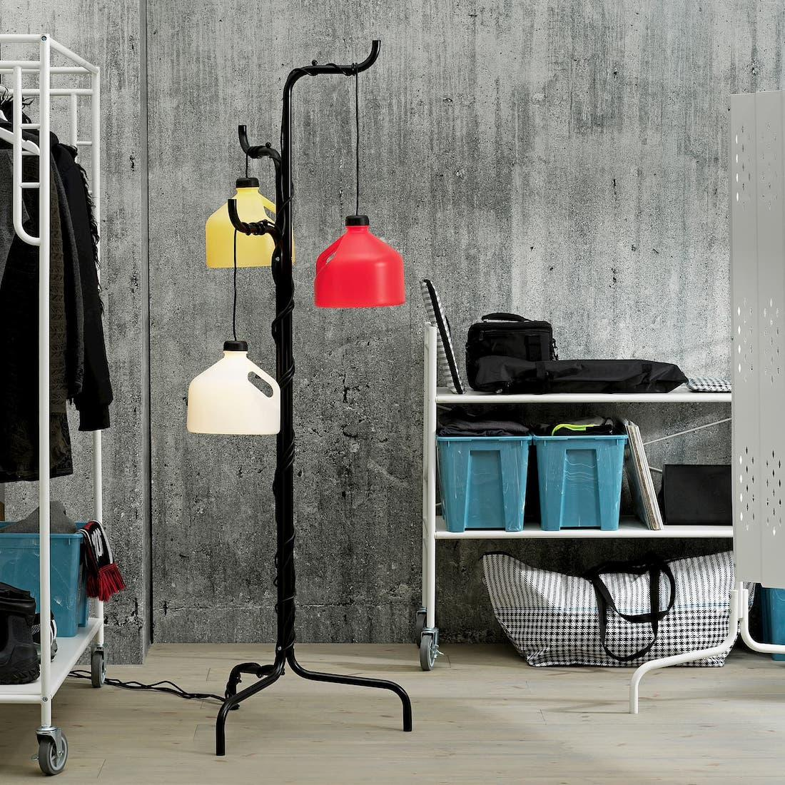 Appendiabiti da terra e lampade Ikea Sammankoppla - Foto by Ikea