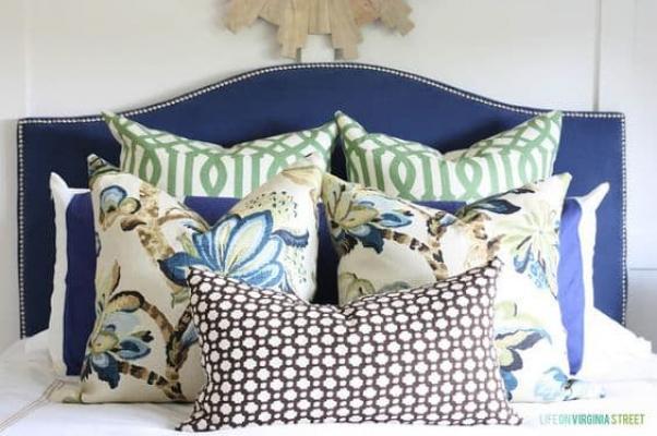 Sul letto possiamo avere una disposizione simmetrica o asimmetrica