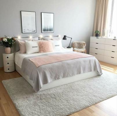 La giusta combinazione di cuscini dona eleganza alla stanza